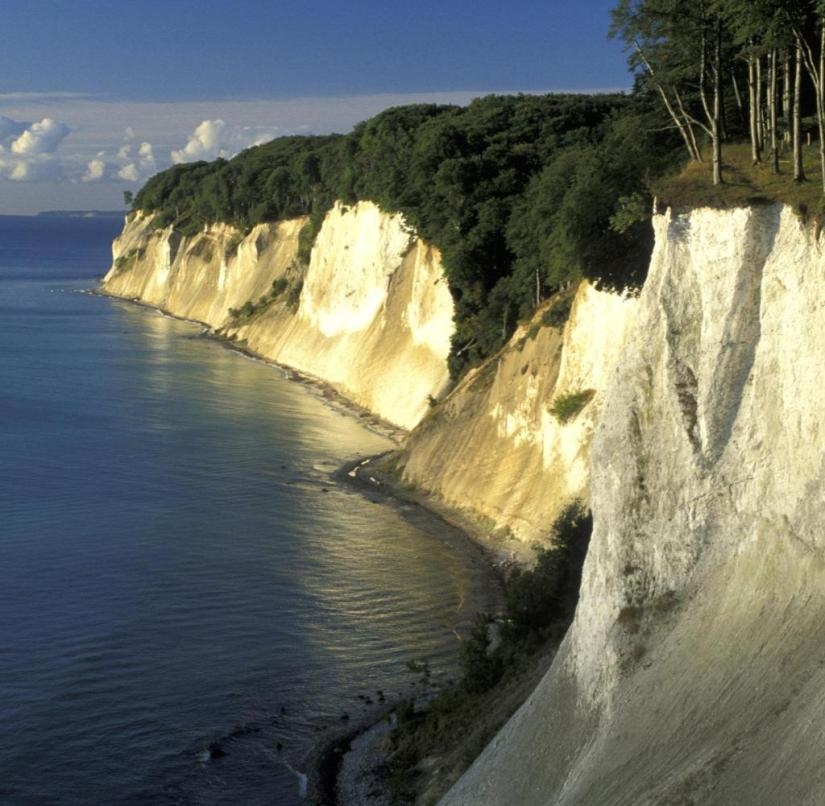 On the Baltic Sea: The chalk cliffs on Rügen are unique in Germany