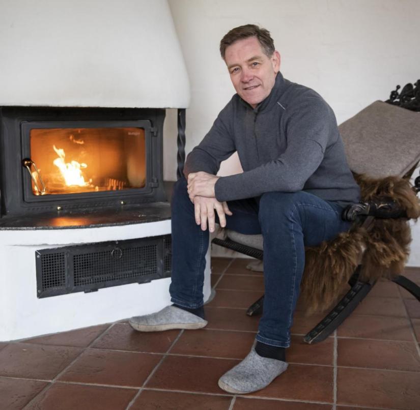 Fireside chat: Alfred Gislason, handball national coach, in his converted farmhouse in Wendgräben near Magdeburg