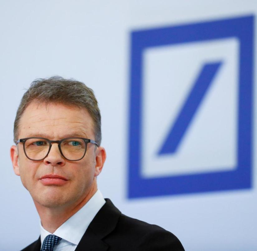 FILE PHOTO: Christian Sewing, CEO of Deutsche Bank AG in Frankfurt, Germany January 30, 2020. REUTERS/Ralph Orlowski/File Photo