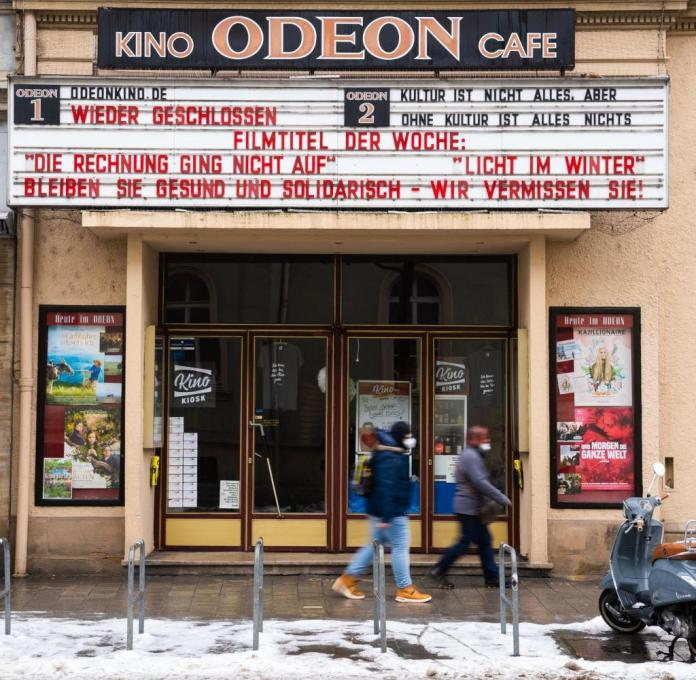 "February 16, 2021, Bavaria, Bamberg: On the display board of the Odeon cinema in Bamberg is the writing ""Film title of the week: The calculation didn't work out.  Light in winter.  Culture is not everything, but without culture everything is nothing ».  Photo: Nicolas Armer / dpa +++ dpa-Bildfunk +++"