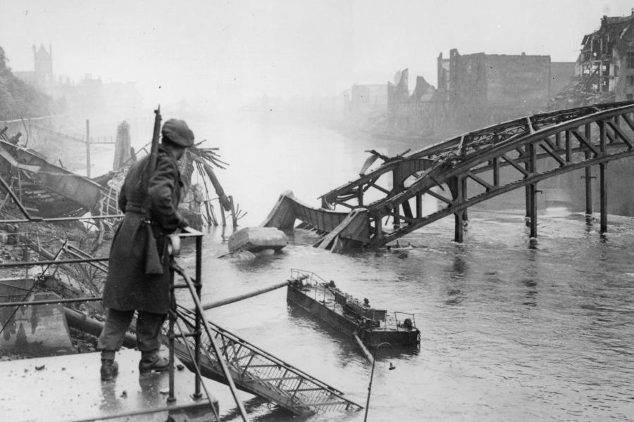 https://i0.wp.com/img.welt.de/img/zweiter-weltkrieg/crop138565385/1536939987-ci3x2l-w900/2-WK-brit-Truppen-erobern-Bremen-1945.jpg