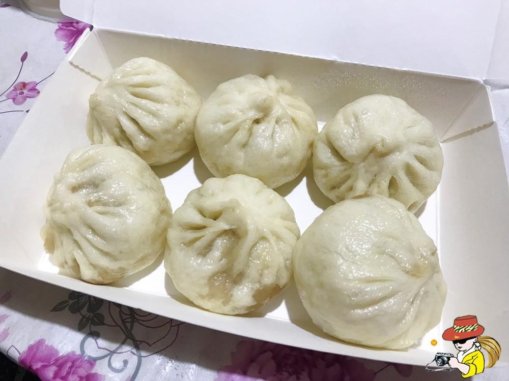 三重國小捷運站胖胖小籠包;一籠6顆50元! - 翁翁旅食空間
