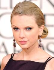 taylor swift red carpet hairstyles