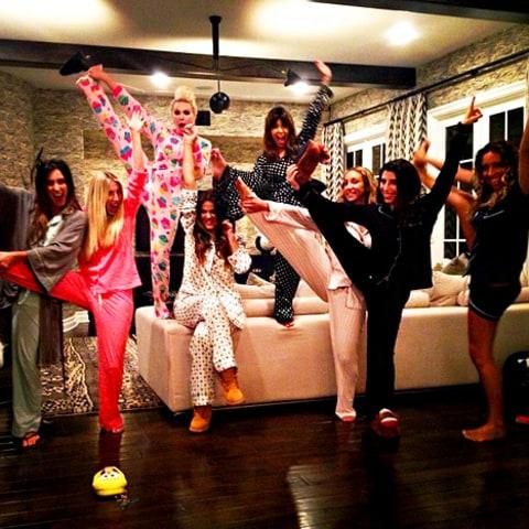 Kim Kardashian Returns To Twitter Wishes Khloe Happy