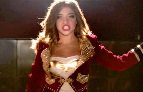 Teresa Giudices Daughter Gia 13 Debuts Music Video With