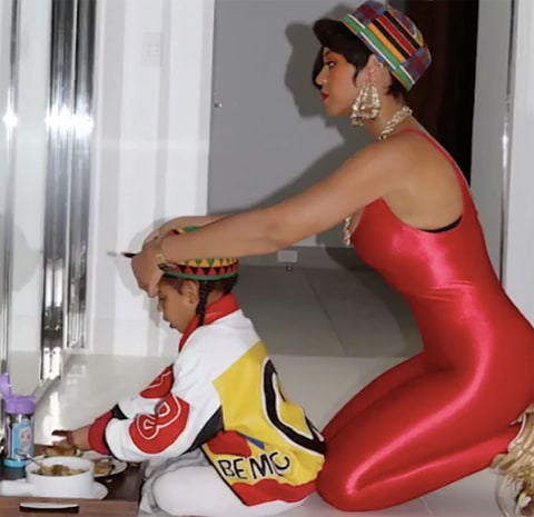 Beyonce helps her daughter, Blue Ivy get ready for Halloween