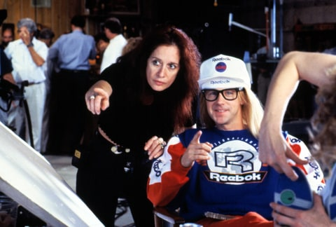 Penelope Spheeris directing Dana Carvey on the set of WAYNE'S WORLD, 1992