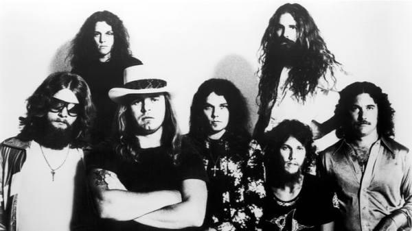Remembering Lynyrd Skynyrd39s Plane Crash Ronnie Van Zant