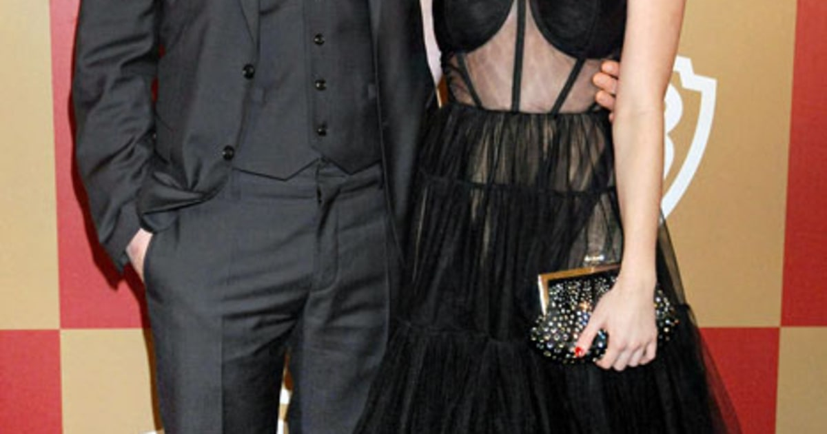 Evan Peters And Emma Roberts Golden Globes