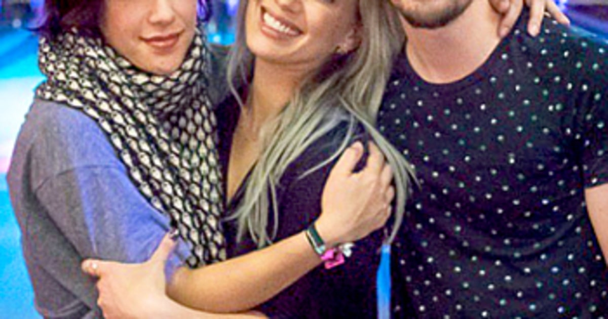 Lizzie McGuire Reunion Hilary Duff Poses With Two Costars