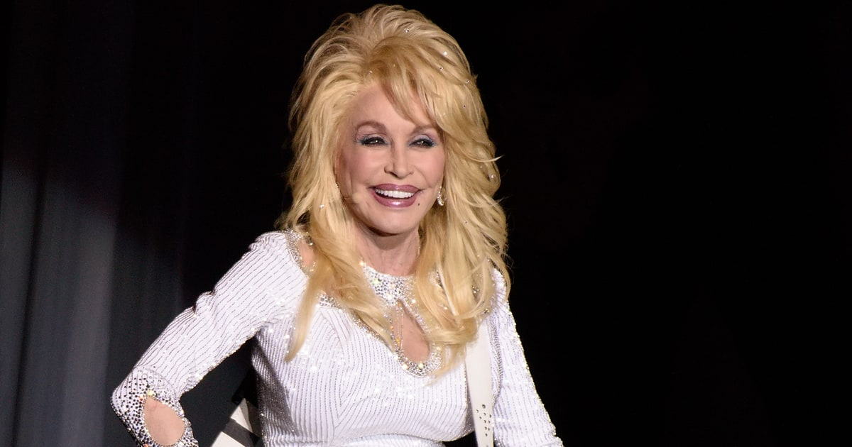 See Dolly Parton and Pentatonix Team Up for Smooth Jolene  Rolling Stone