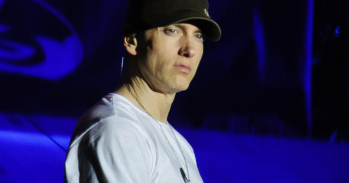 Eminem Posts Tracklist For 'Marshall Mathers LP 2