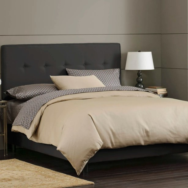 Button Tufted Upholstered Panel Bed Size: Full, Color: Black