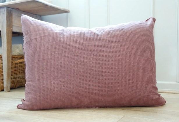 Venice Linen Throw Pillow Color: Berry