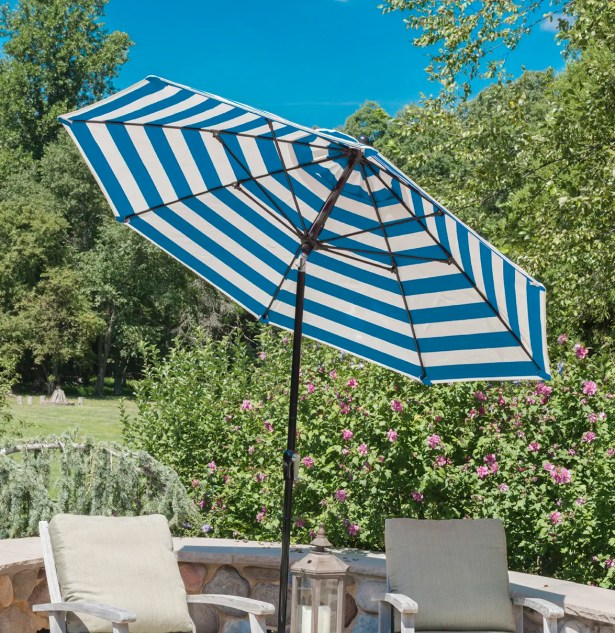 7.5' Market Umbrella Color: Turquoise, Frame Color: White