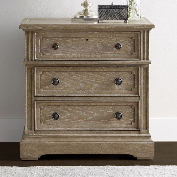Wethersfield Estate 3 Drawer Bachelor's Chest