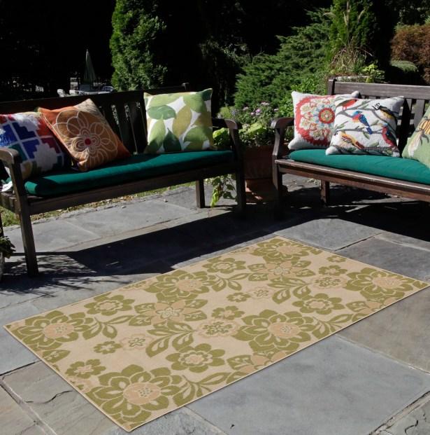 Coleg Garden Power Loom Green/Beige Indoor/Outdoor Area Rug Rug Size: Rectangle 7'10