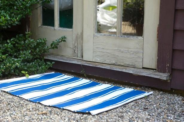 Zen Lucky Hand-Woven Cotton Blue/White Area Rug Rug Size: Rectangle 4' x 6'