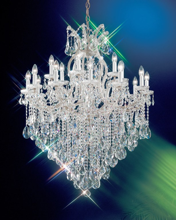 Maria Thersea 19-Light Candle Style Chandelier Finish: Chrome, Crystal Type: Crystalique