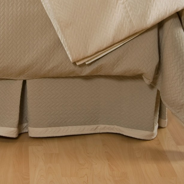 Lucca Bed Skirt Size: Twin, Color: Taupe