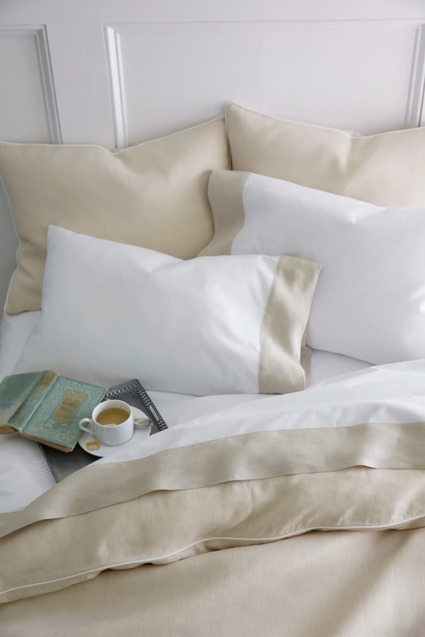 Mandalay Cuff 200 Thread Count Flat Sheet Color: Pearl, Size: Twin