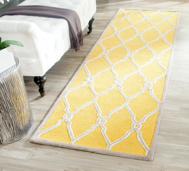 Martins Hand-Tufted Gold/Ivory Area Rug Rug Size: Rectangle 4' x 6'