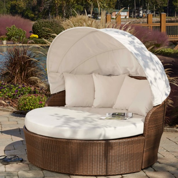Key Biscayne Patio Daybed with Sunbrella Cushions Color: Bay Brown