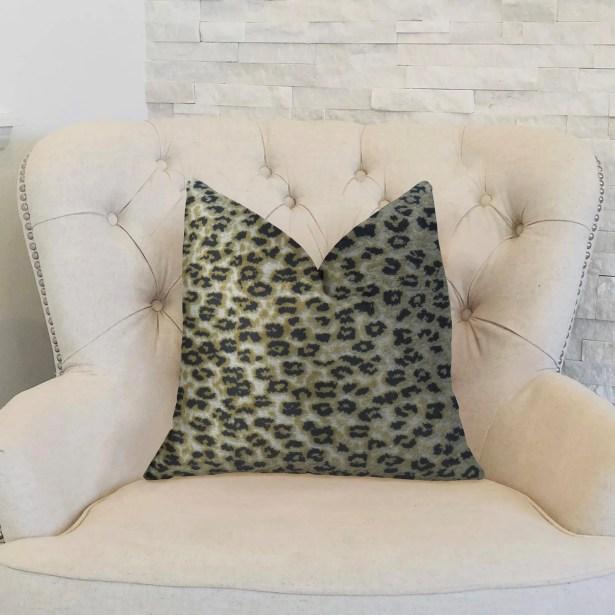Cheetah Handmade Throw Pillow  Size: 26
