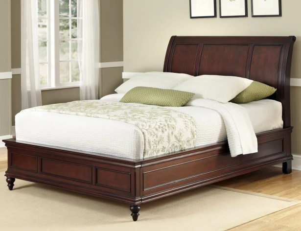 Lafayette Sleigh Bed Size: King