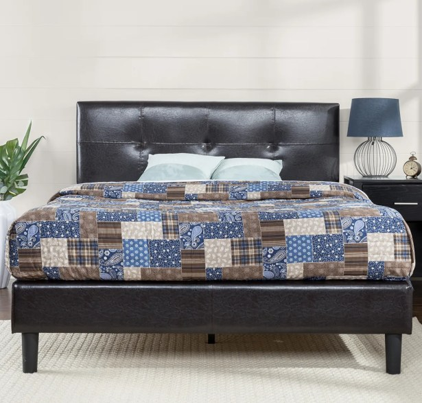 Stitched Upholstered Platform Bed Size: Queen