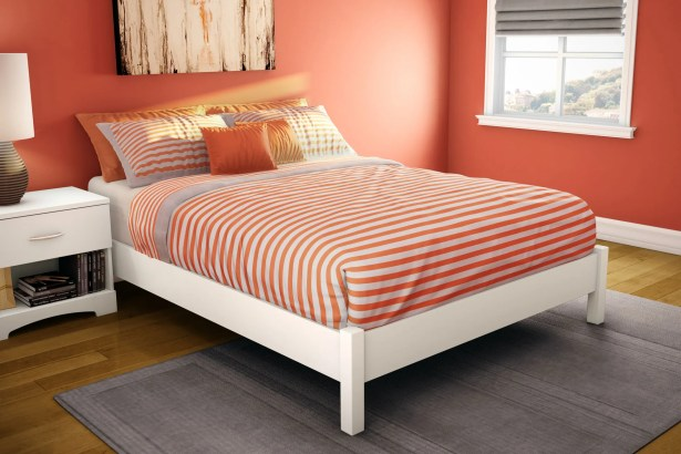 Step One Platform Bed Color: White, Size: Twin