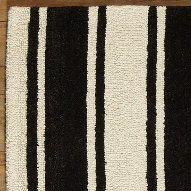 Tenley Black & White Rug Rug Size: Rectangle 8' x 10'