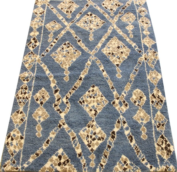 Cataldo Hand Knotted Wool Blue/Ivory Indoor Area Rug Rug Size: Rectangle 4'1