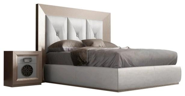 Kogan Panel 4 Piece Bedroom Set Size: Queen