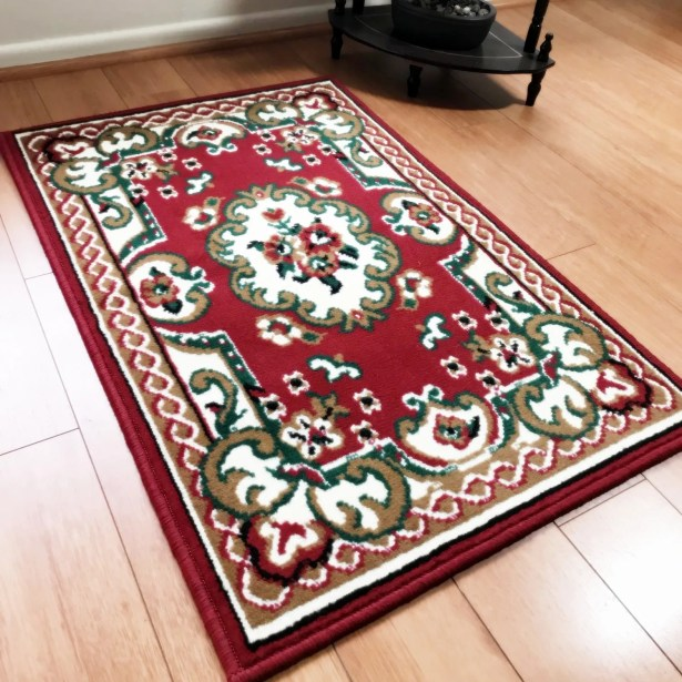 Edelina Traditional Red Area Rug Rug Size: Rectangle 8' x 10'