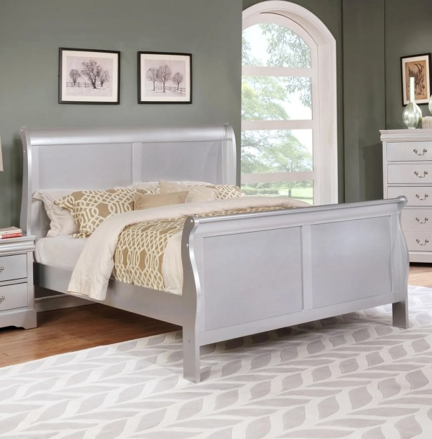 Citrana Sleigh Bed Size: Queen, Color: Silver