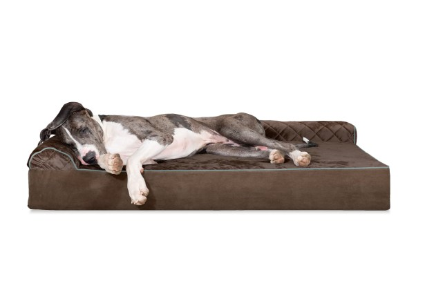 Dichiera Quilted DLX L-Chaise Lounge Dog Bed Sofa Color: Espresso, Size: Extra Extra Large (11