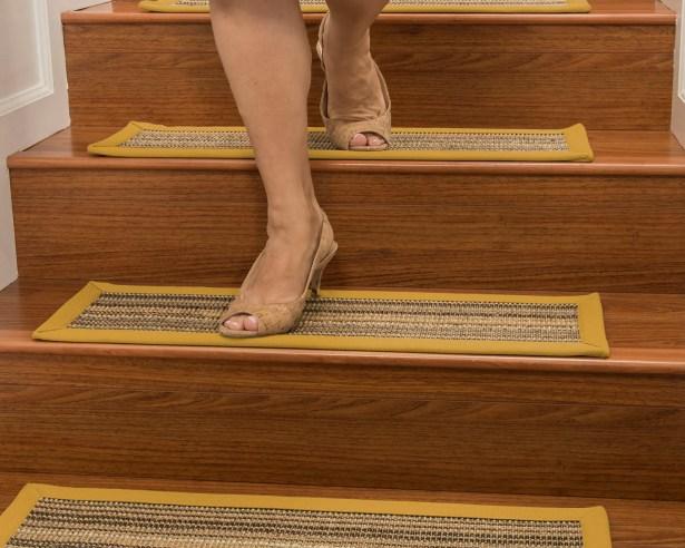 Dover Custom Sisal Stair Tread Color: Tan