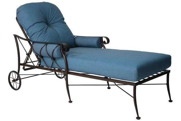 Derby Chaise Lounge With Cushion Color: Blue