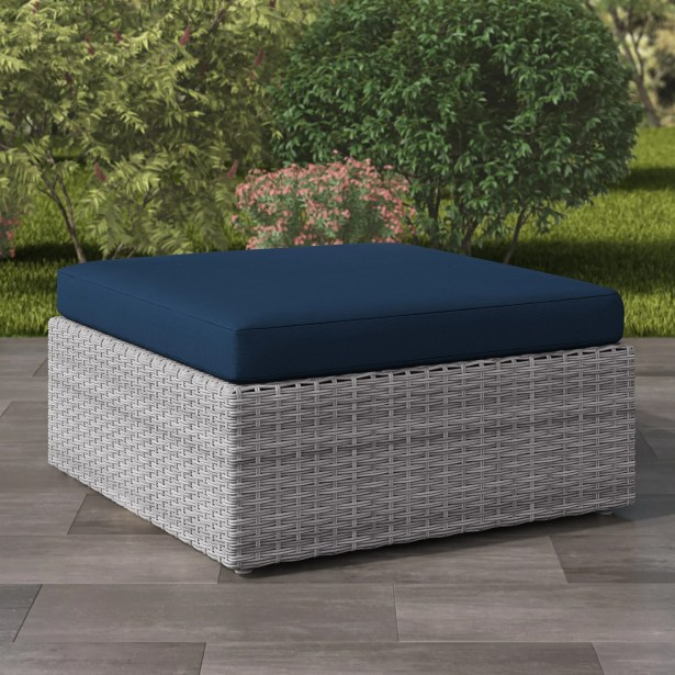 Killingworth Outdoor Ottoman with Cushion Frame Color: Blended Gray Weave, Cushion Color: Navy Blue