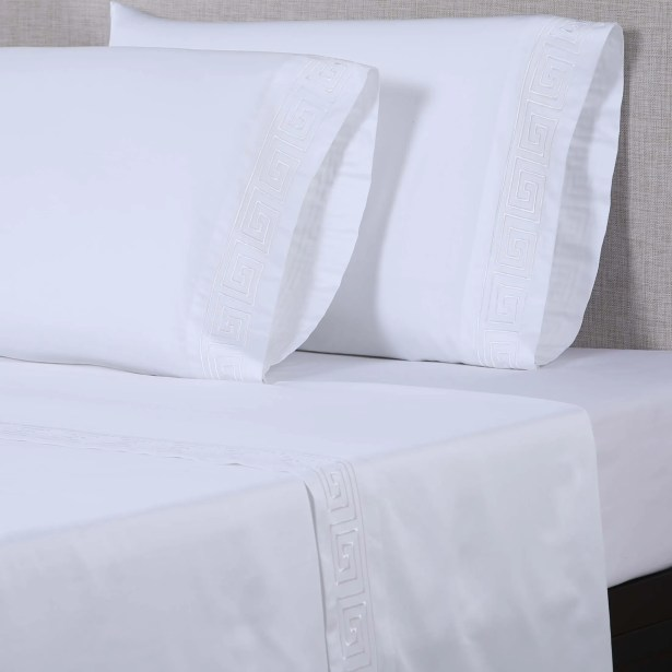 600 Thread Count Cotton Sheet Set Color: White/White, Size: King