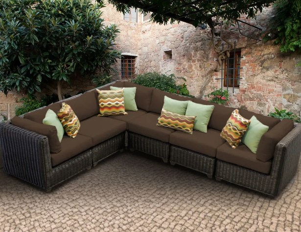 Eldredge Sofa With Cushions Color: Cocoa