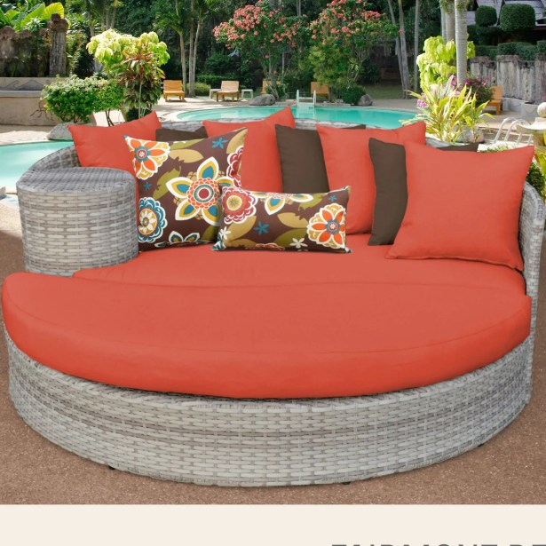 Ansonia Daybed with Cushions Fabric: Tangerine