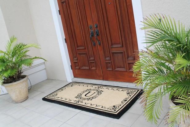 Hedvige Estate Anti Shred Monogrammed Double Doormat Letter: U