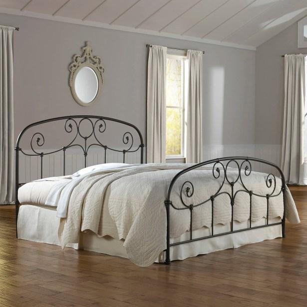Leavitt Panel Bed Size: King