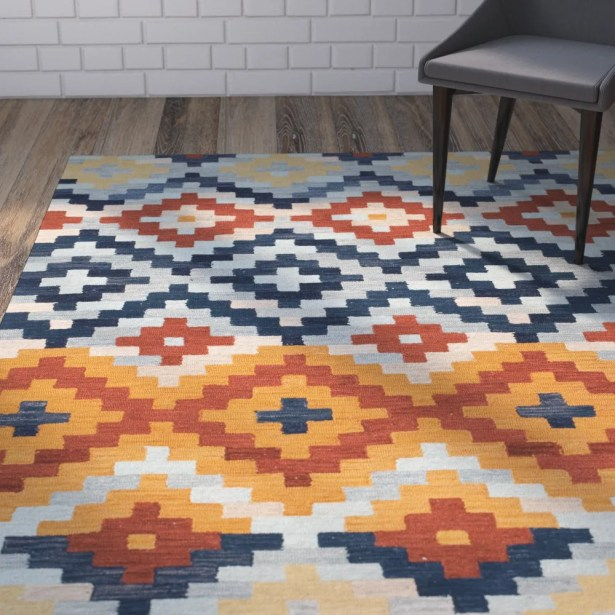 Ariadnee Checked Area Rug Rug Size: Rectangle 7'9