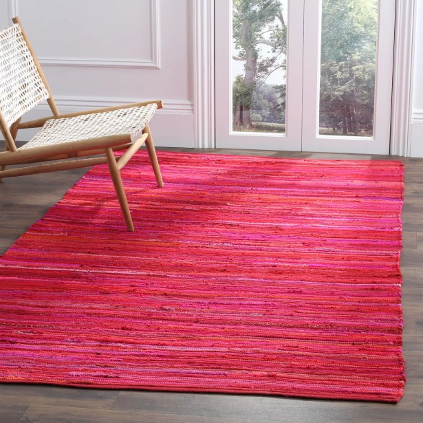 Shatzer Hand-Woven Red Area Rug Rug Size: Rectangle 4' x 6'