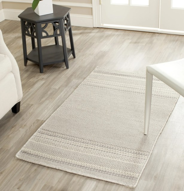 Butters Hand-Woven Grey/Ivory Area Rug Rug Size: Rectangle 2'6