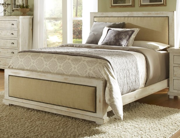 Rochelle Upholstered Panel Bed Size: Queen