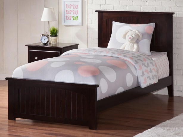 Graham Queen Panel Bed Color: Espresso, Size: Twin
